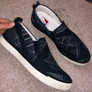 LOUIS VUITTON men's shoes. Size 8.